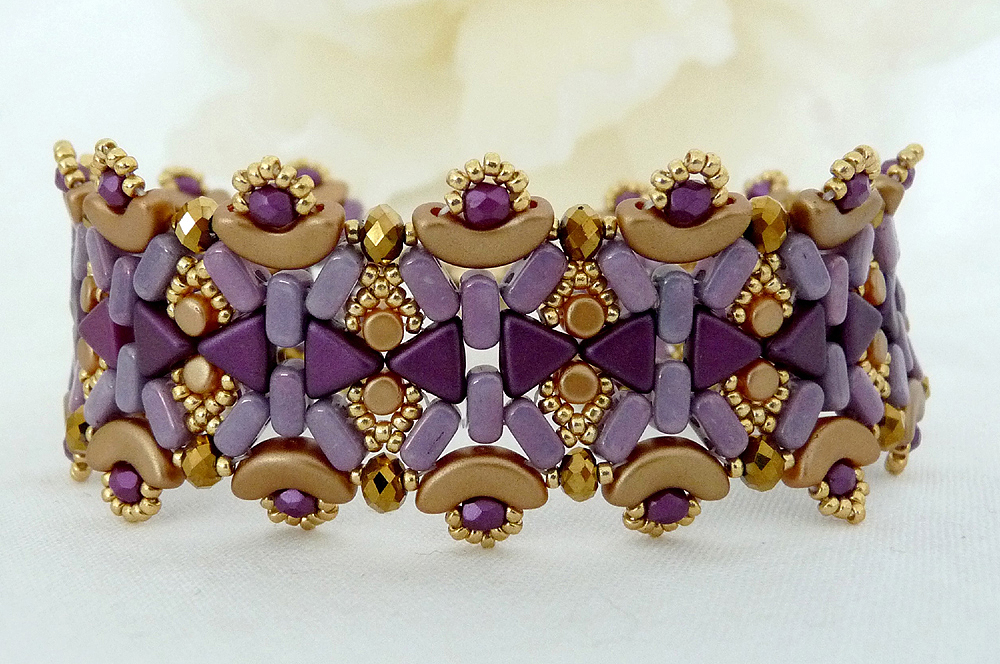 Kheops, Arcos, Minos and Ios par Puca beads in the Maisie Bracelet