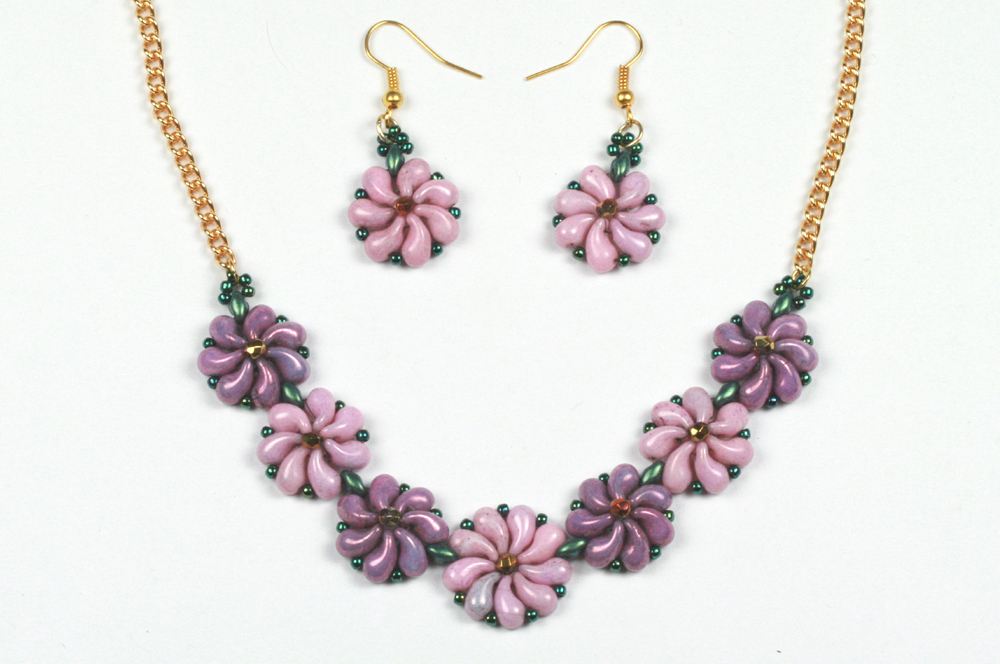 Zoliduo Flower Necklace and Earrings