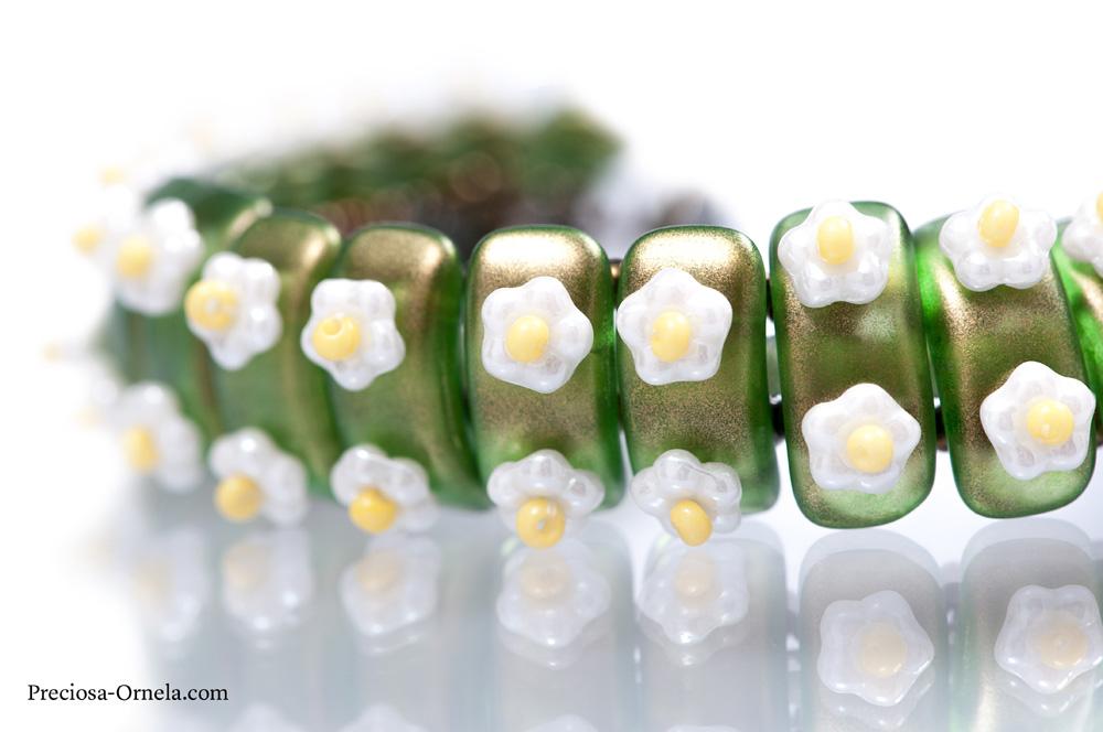 Preciosa bow bead embellished bracelet