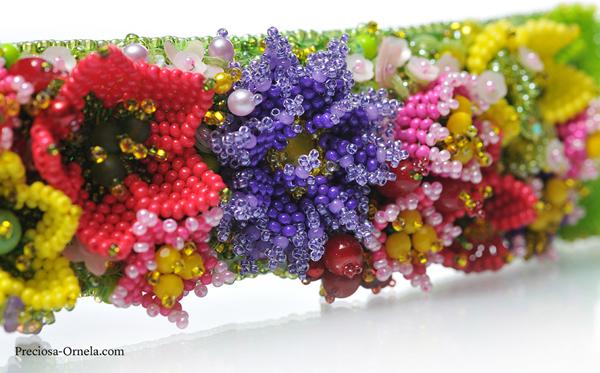 Preciosa Terra Intensive Floral Bracelet